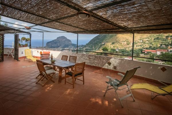 arcaholiday apartments in Cefalu with sea view